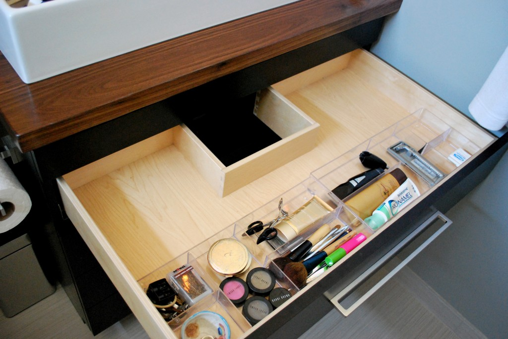 Notched drawer
